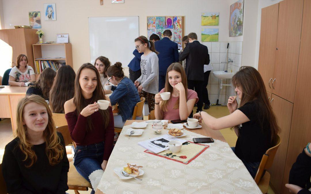 Dzień Kobiet w gimnazjum